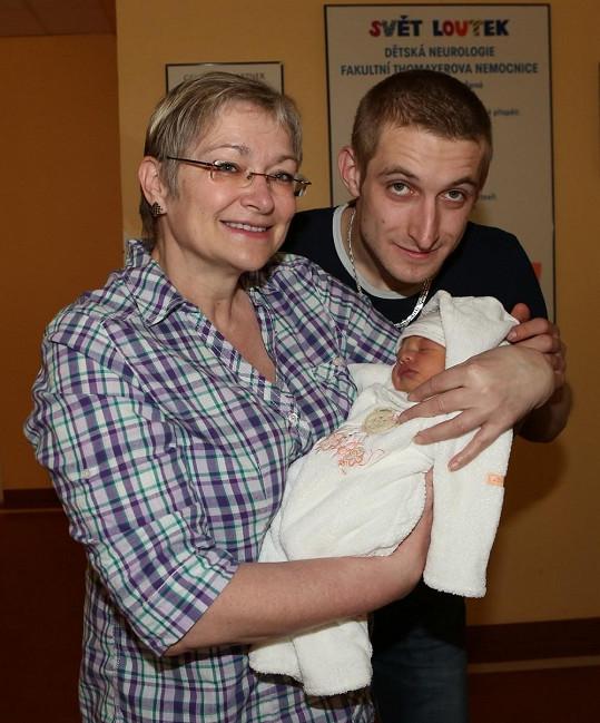 Darina Nová se synem Janem a vnoučkem