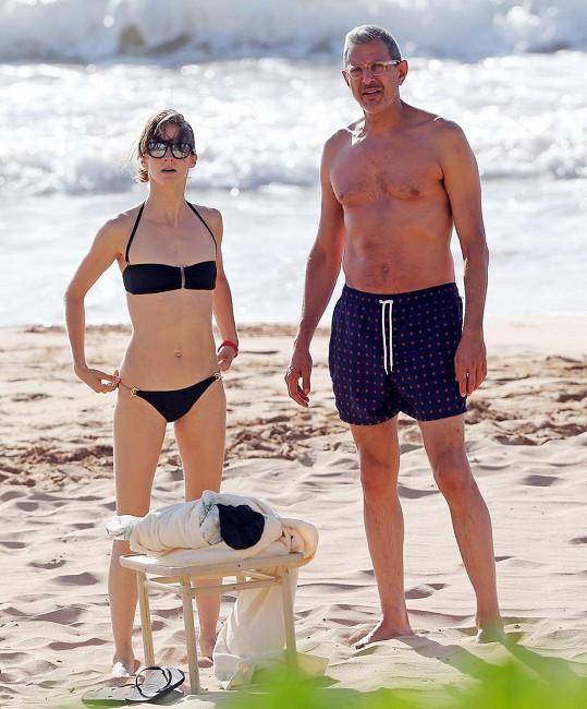 Jeff Goldblum s přítelkyní Emilií Livingston
