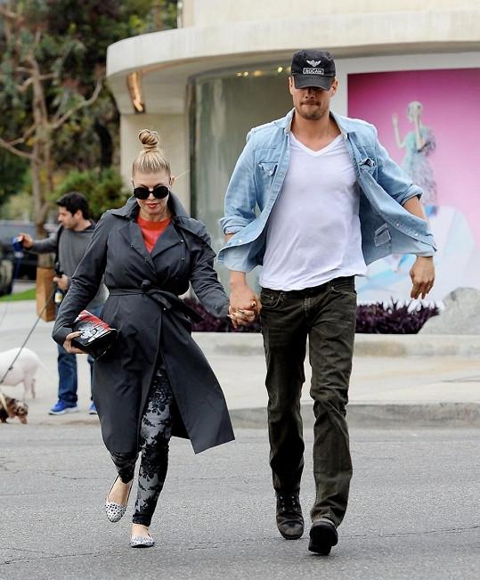 Fergie s manželem v Hollywoodu.