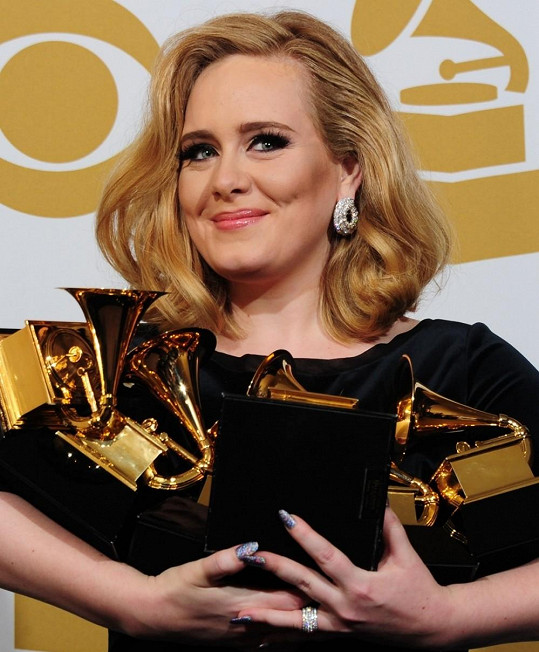 Takhle Adele všichni známe.
