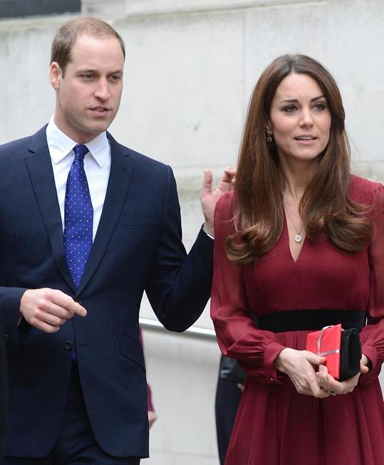 V pátek se manželé byli podívat v londýnské National Portrait Gallery.