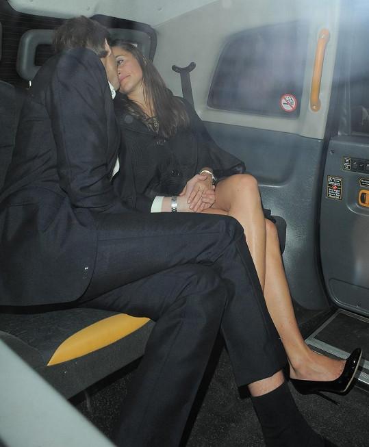 Nezvykle intimní chvíle krásné Pippy a jejího přítele Nica Jacksona