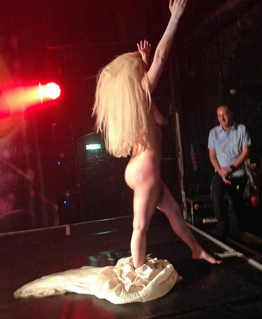 Lady Gaga už nemá co skrývat.