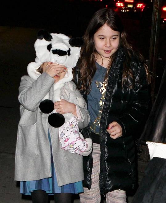 Šestiletá dívenka je dcerou Katie Holmes a Toma Cruise.