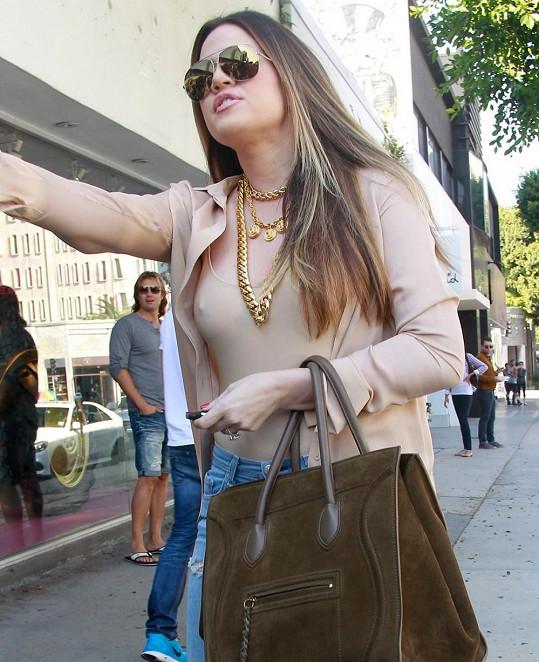 Khloe přistižena v Beverly Hills