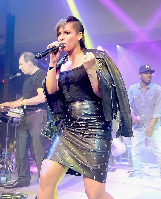 Alicia Keys během vystoupení v New Yorku
