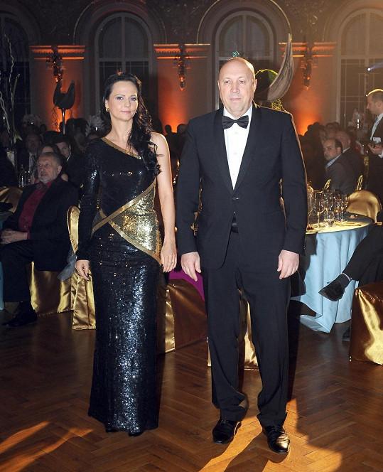 Veronika Blažková a Oldřich Lomecký zahajovali ples.