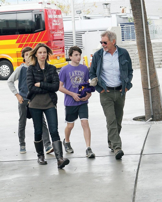 Calista Flockhart s Harrisonem Fordem a Liamem v Los Angeles