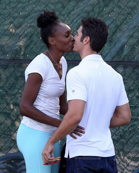 Venus Williams s partnerem Eliem Pisem.