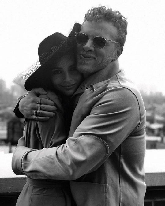 Emily Ratajkowski s manželem Sebastianem Bearem-McClardem
