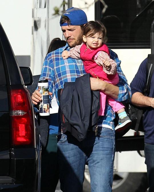 Ashton hlídal Wyatt během natáčení.