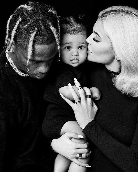 Kylie Jenner s partnerem Travisem Scottem a dcerkou Stormi