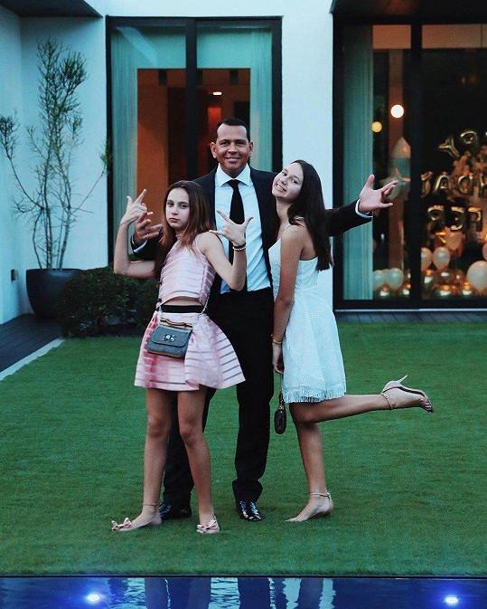 Alex Rodriguez s dcerami Natashou (vpravo) a Ellou