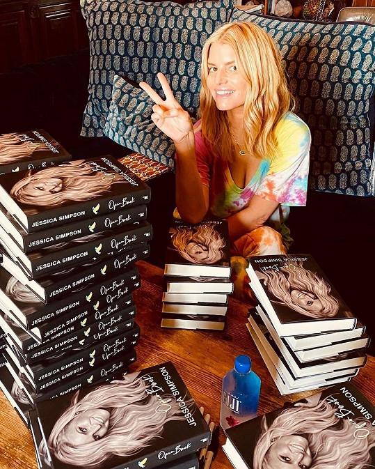 Letos vydala svou autobiografii.