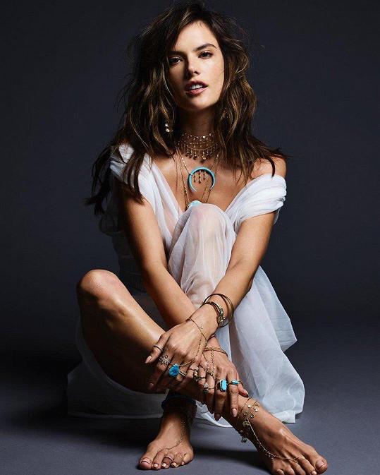 Topmodelka a bývalý ´sexy andílek´ značky Victoria´s Secret Alessandra Ambrosio (36)