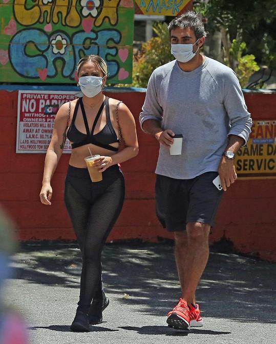Lady Gaga vyrazila ven s přítelem Michaelem Polanskym.