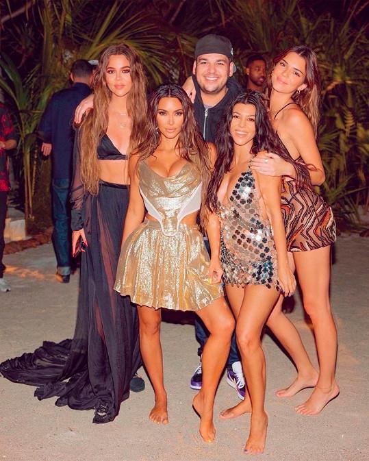 Kim se sourozenci Khloé, Kourtney, Robem a Kendall