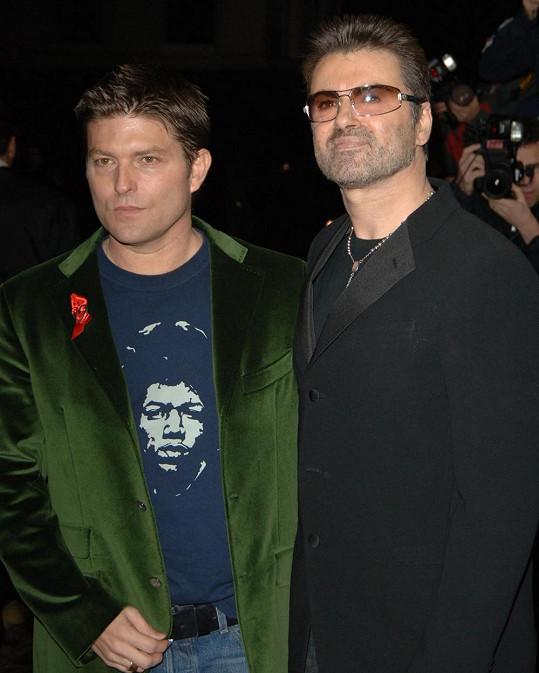 Zpěvák s Kennym Gossem na fotografii z roku 2005