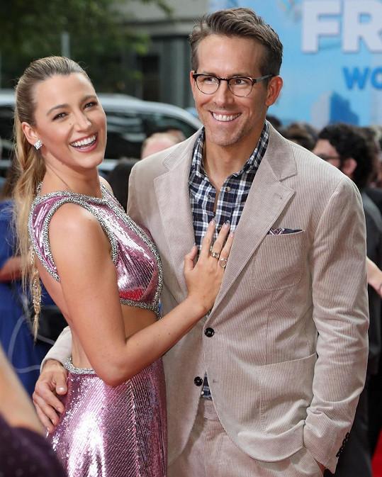 Ryan Reynolds a Blake Lively na premiéře filmu Free Guy