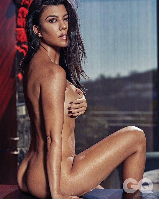 Kourtney Kardashian slaví kulatiny.