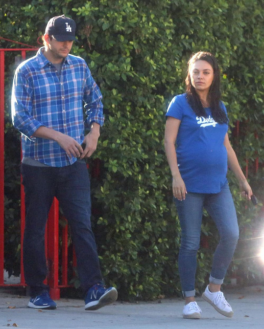 Mila Kunis s manželem Ashtonem Kutcherem