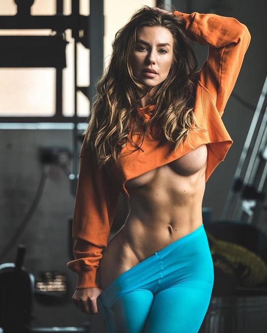 """V poslední době se našla i ve cvičení. """"Vždycky jsem byla štíhlá, po překonání závislosti se snažím zůstat fit a zdravá,"""" říká."""