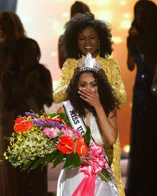 Po šoku, jak to u volby královny krásy bývá, se dostavily slzy dojetí.