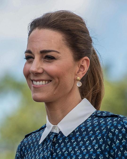 Pro razantní změny Kate není. Ani v oblékání, ani ve volbě účesu.