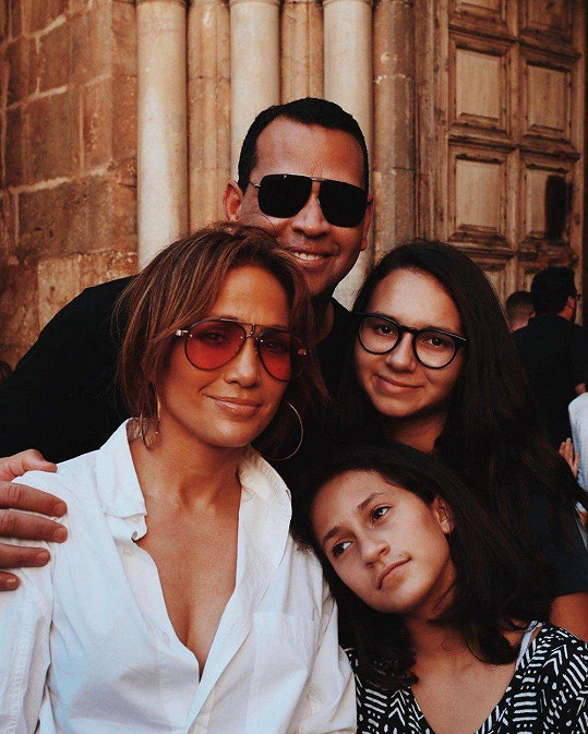 S Natashou, Jennifer Lopez a její dcerou Emme