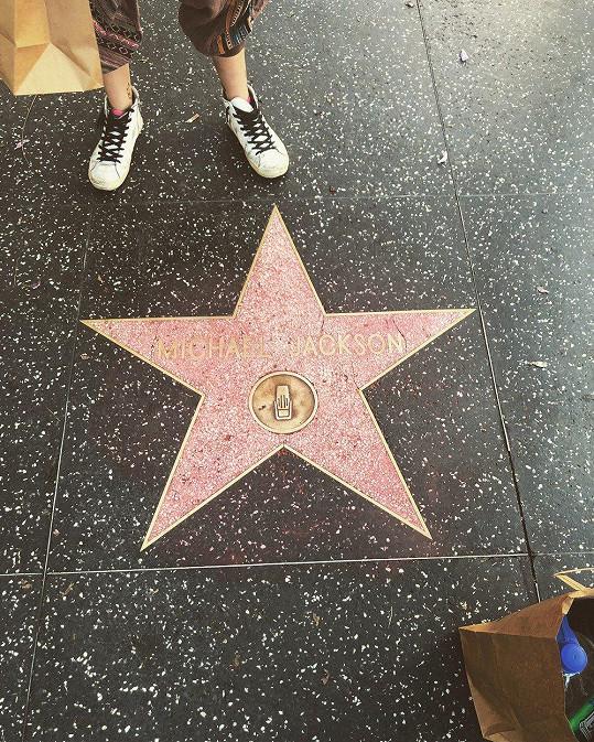 Otcovu hvězdu sama očistila.