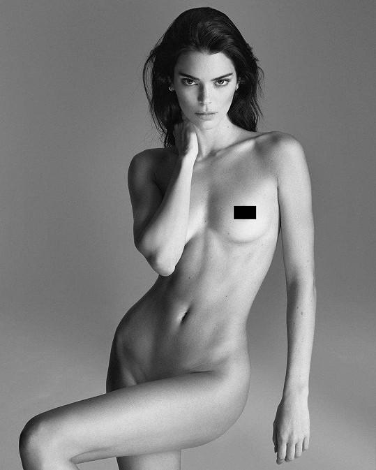 Kendall Jenner se svlékla.