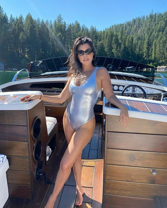Kourtney Kardashian vypadá skvěle.