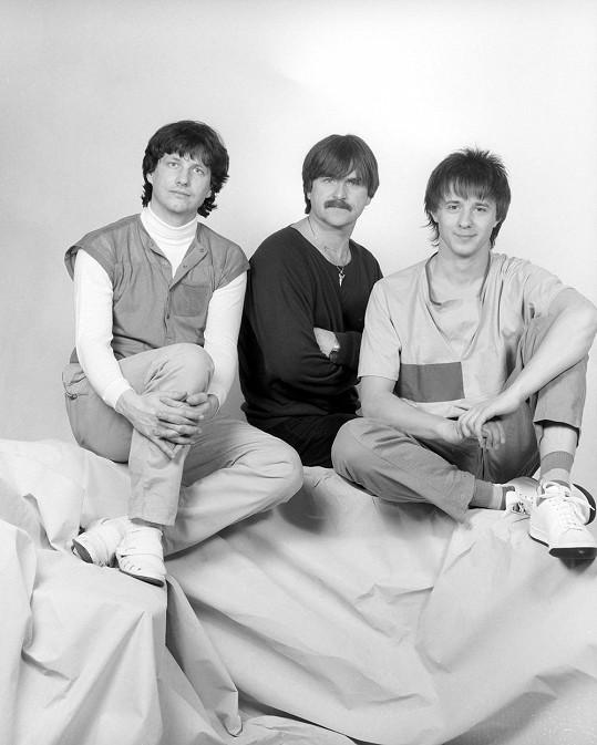 Stanislav Hložek a Petr Kotvald se svým duchovním otcem Karlem Vágnerem. Žádné duo v české pop music nikdy nebylo slavnější.