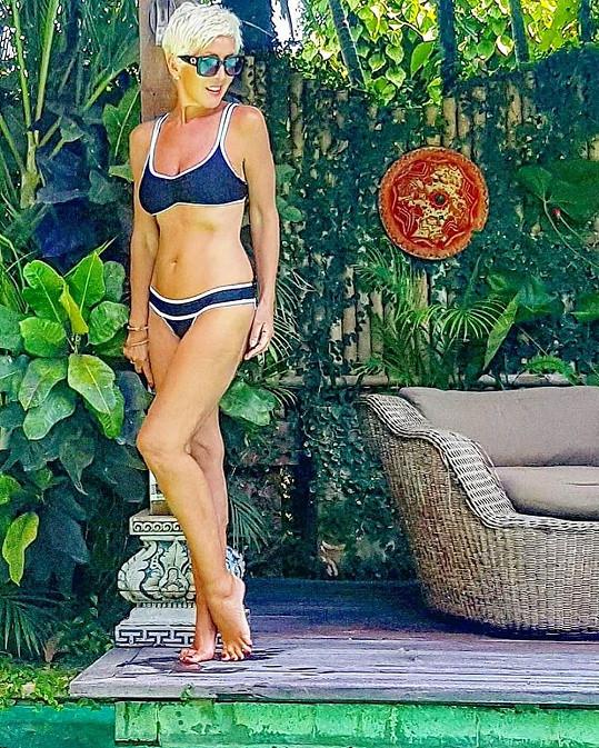 Sheila Kiss má i po šedesátce tělo modelky.