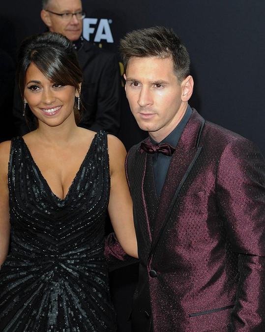 Lionel Messi na vyhlášení ankety Zlatý míč dorazil v doprovodu krásné Antonelly.