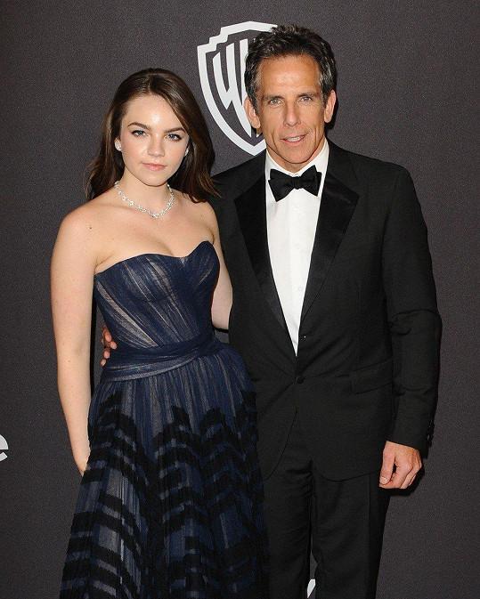 Po rozchodu s manželkou Christine Taylor herce a režiséra do společnosti doprovází právě dcera.