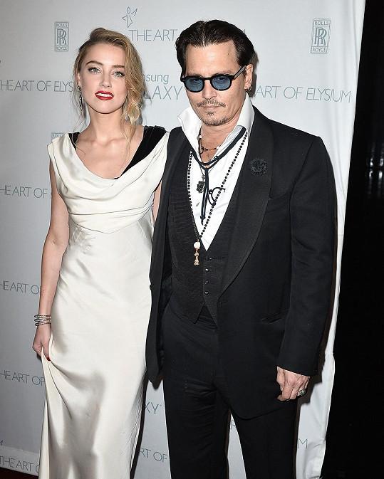Manželství Johnnyho Deppa a Amber Heard spěje k bouřlivému konci.