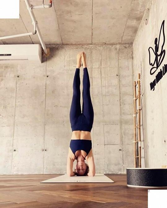 V kondici se udržuje pravidelným cvičením.