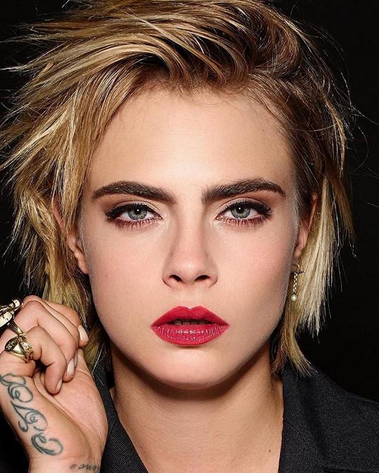 Top desítku uzavírá modelka Cara Delevingne s 89,99 %.