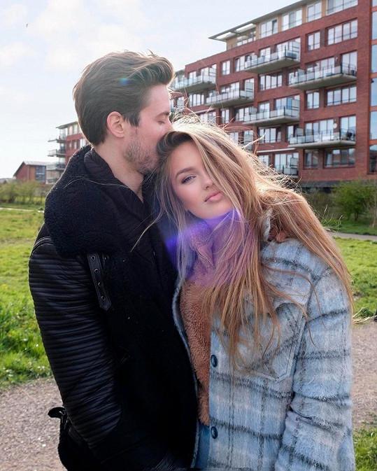 Romee Strijd je už dva roky vdaná za Laurense van Leeuwena.