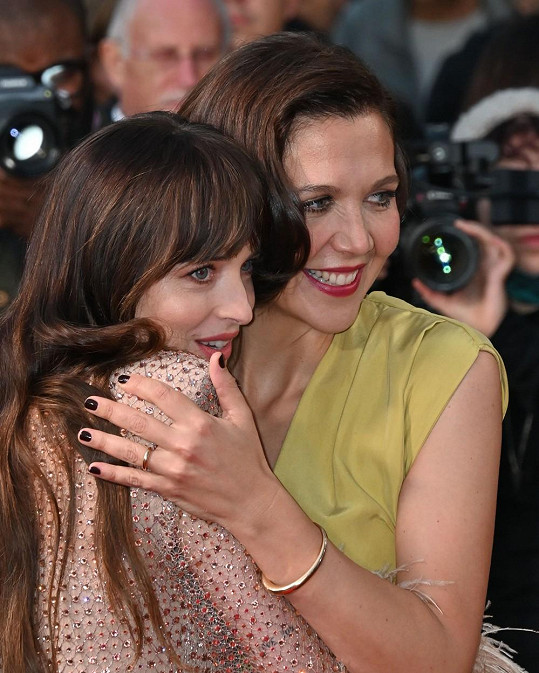 S herečkou Maggie Gyllenhaal, která film režírovala