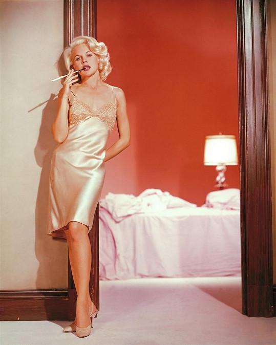 Carroll přirovnávali k Marilyn Monroe i k Jean Harlow.
