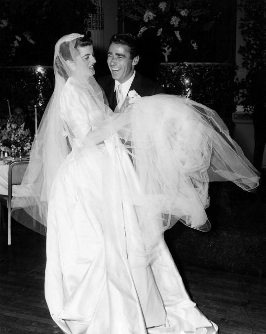 V roce 1954 si Peter vzal Patricii Kennedyovou. Pár let byl švagrem prezidenta.