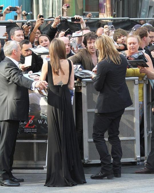 Angelina přijela podpořit svého partnera.