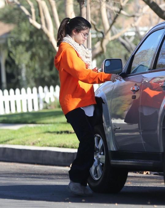 Selena přespala u kamarádky, a tak se nestihla dát pořádně do kupy.