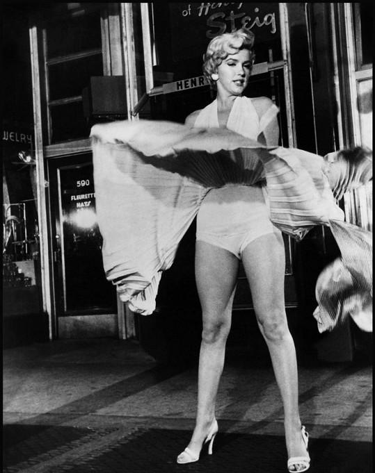 Reklamní záběr z natáčení zajistil Marilyn popularitu i rozvod....