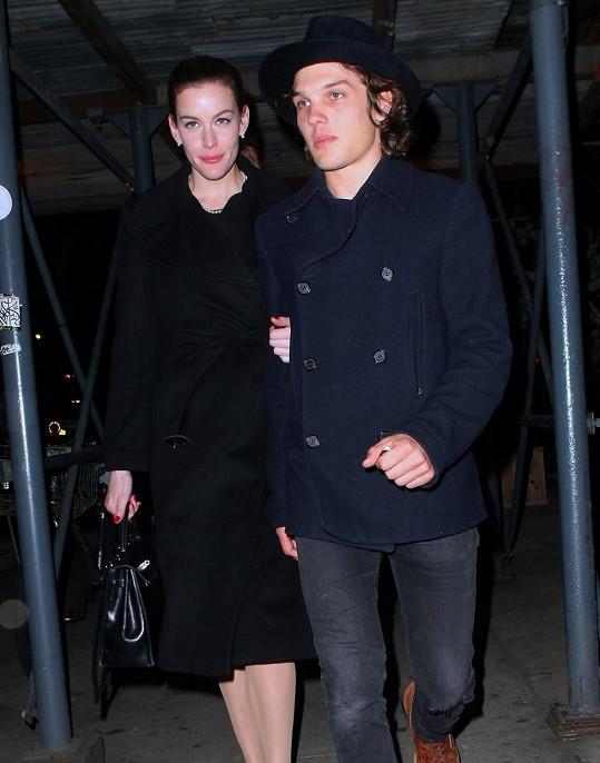 Theo Wenner ještě nedávno randil s Liv Tyler.