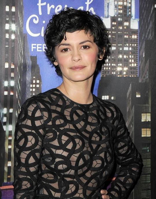 Krása francouzské herečky je odzbrojující.