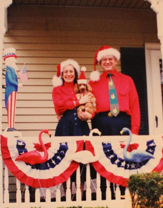 Sváteční obleky a vyzdobený dům nemůžou o Vánocích chybět.