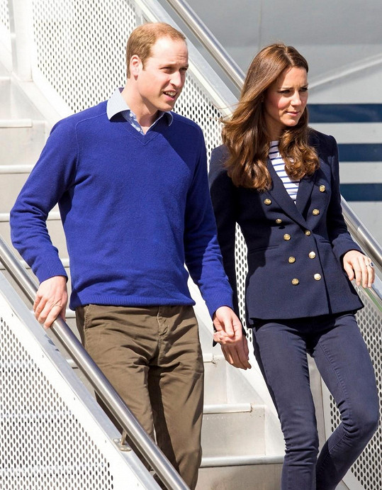 Kate v doprovodu manžela, prince Williama